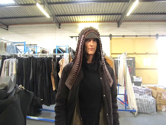 mad-max-fury-road-photos-hooded-costume-1