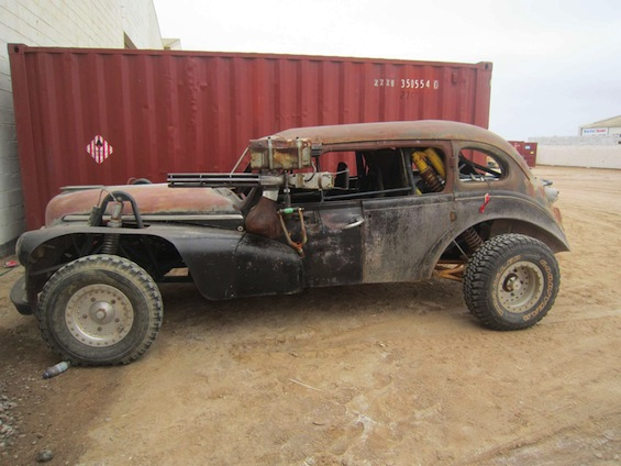 mad-max-fury-road-photos-weaponized-car