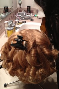 Curling le wig